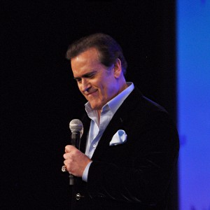 Bruce Campbell - Wizard World - New Orleans - 01