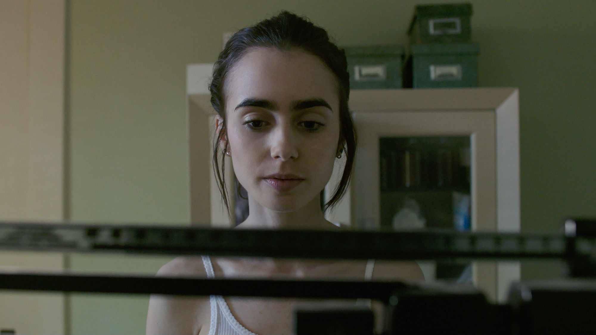 Lily-Collins-To-The-Bone-landscape